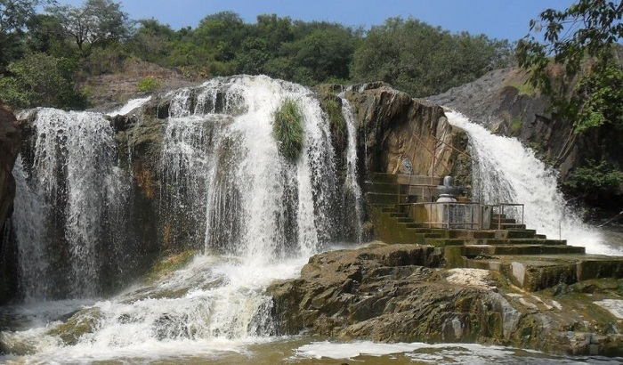 Kaigal Waterfalls near Chennai